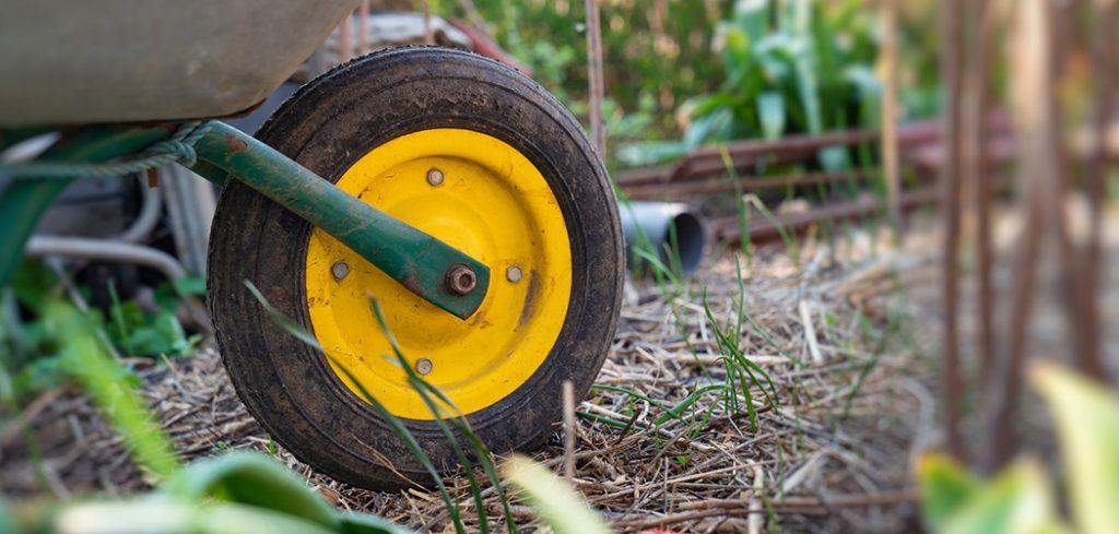 Why Does A Wheelbarrow Have One Wheel?