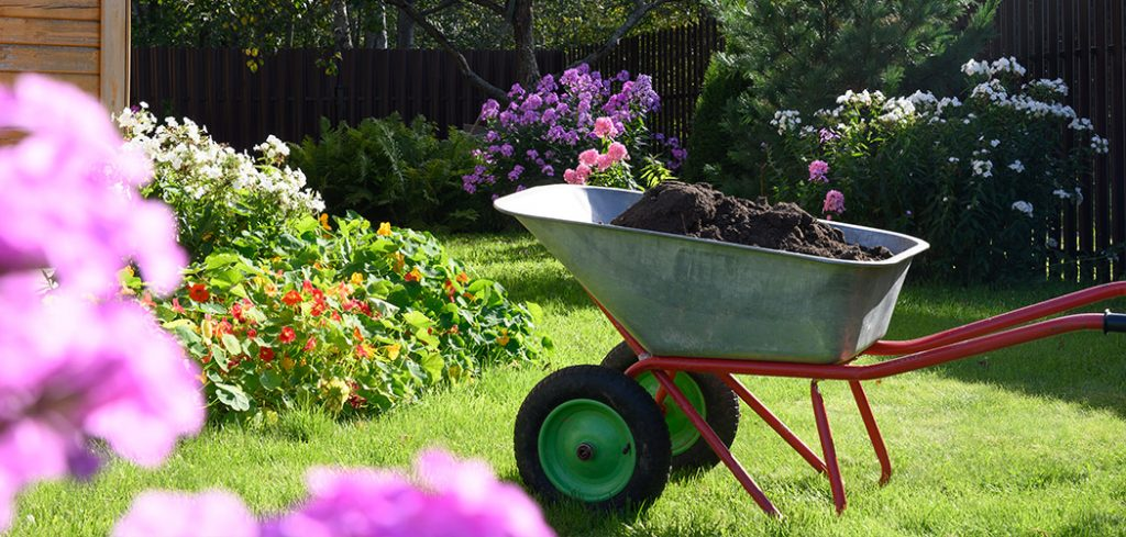 The Best Landscaping Wheelbarrows